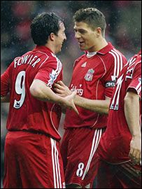 Fowler and Gerrard celebrate against Sheffield United