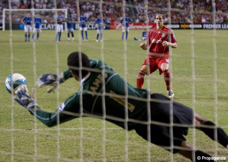 Torres see his penalty saved
