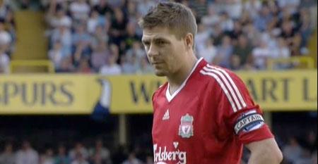 Steven Gerrard prepares for the penalty