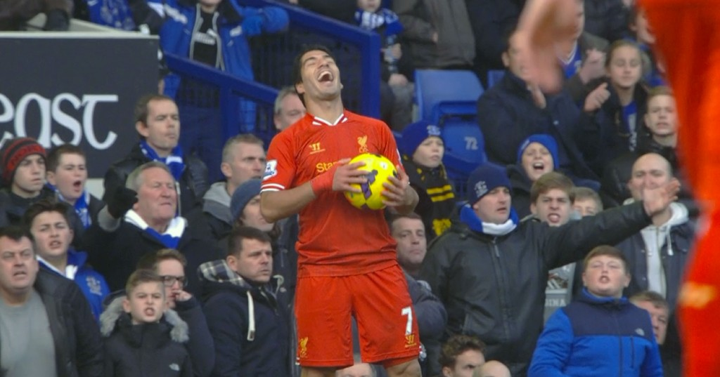 Suarez enjoys the banter at Goodison Park v Everton
