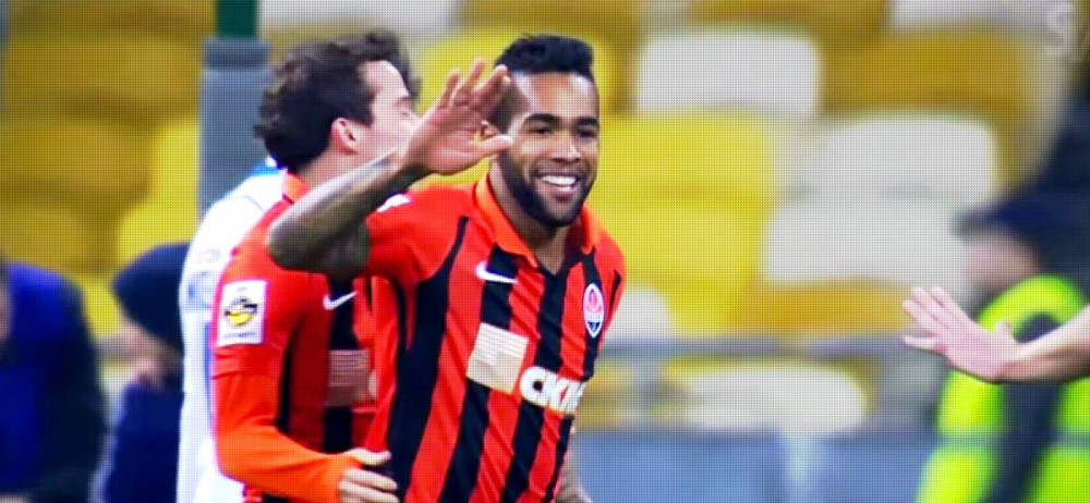 Alex Teixeira linked with LFC move