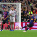 Messi scores a free kick against the reds